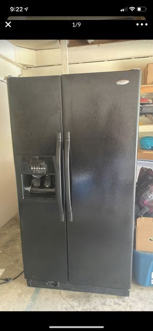 Free fridge, stove, microwave all work for Sale in Fontana, CA