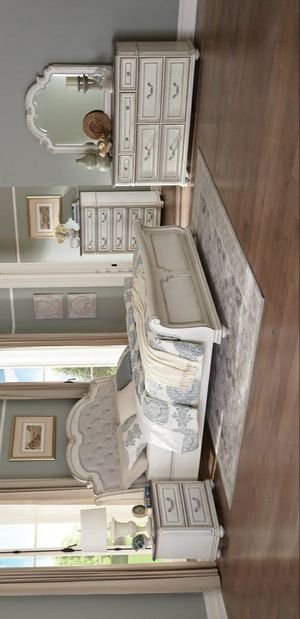 ☄Shock price☄Willowick Antique White Sleigh Bedroom Set for Sale in Jessup, MD