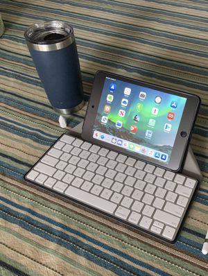 iPad Mini 4 & Apple Magic Keyboard for Sale in Buffalo, NY