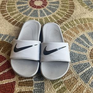 Nike Slides Youth Size 2 for Sale in Salida, CA