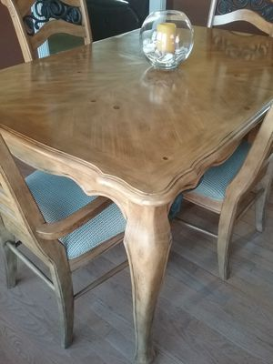 Dining table for Sale in Moyock, NC