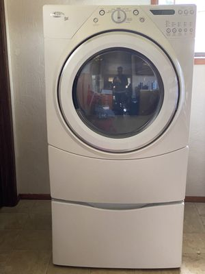 Whirlpool Duet GAS Dryer with Pedestal for Sale in Springfield, OR