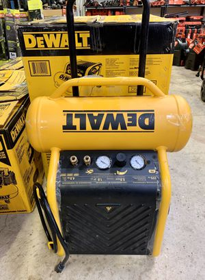 DEWALT 4.5 Gal. Portable Electric Air Compressor for Sale in Arlington, TX