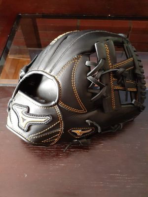 """Mizuno MVP Prime Baseball Glove 11.25"""" for Sale in San Bernardino, CA"""