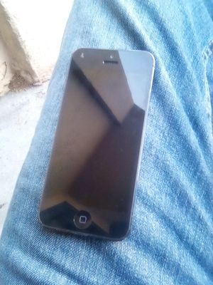 IPHONE 5 UNLOCKED for Sale in Long Beach, CA