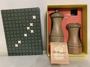 Olde Thompson Pepper Mill - Myrtle wood for Sale in Des Plaines, IL