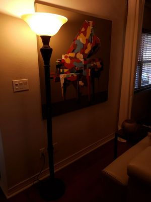 3 Way Transitional Floor Lamp for Sale in Orlando, FL
