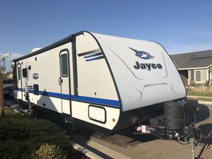 2018 33ft Jayco Jayfeather 27RL travel trailer for Sale in Sanger, CA
