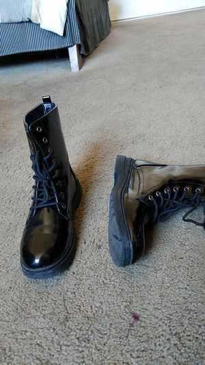 Women's combat boots (size 8) for Sale in Lynwood, CA