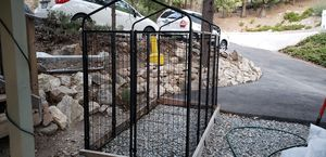 Lucky Dog Kennel 4' x 8' for Sale in Lake Arrowhead, CA