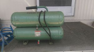Hitachi 2 HP 14.5-Amp Portable 4-Gal Twin Stack Air Compressor for Sale in San Diego, CA