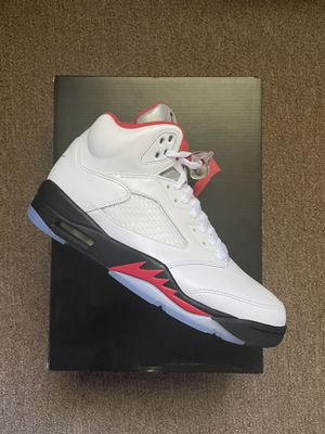 """Brand new Jordan 5s """" fire red """" 2020 Size 9.5 for Sale in Forest Heights, MD"""