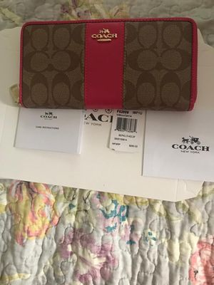 New with tag coach wallet for Sale in Richmond, CA