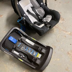 Nuna Pipa Car Seat With 2 Bases for Sale in Pittsburgh, PA