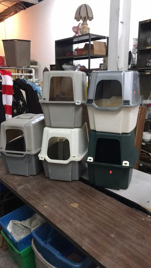 5 kitty boxes for Sale in St. Louis, MO