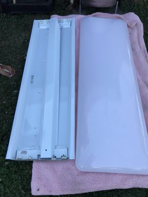 Fluorescent lighting for Sale in McKees Rocks, PA