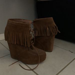Steve Madden fringed wedged for Sale in Fontana, CA