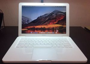 "Apple MacBook White 13"" 500GB HDD 2.26 GHz 4GB RAM Os High Sierra 2010 for Sale in North Lauderdale, FL"