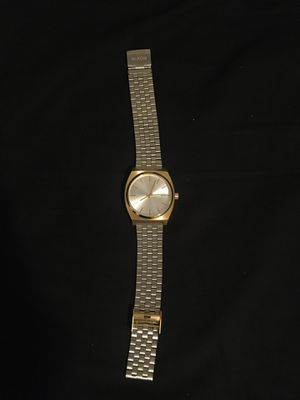 Nixon the time teller watch stainless steel gold/silver for Sale in Kent, WA