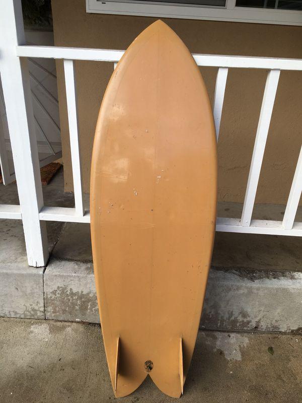 EC surfboard twin fin