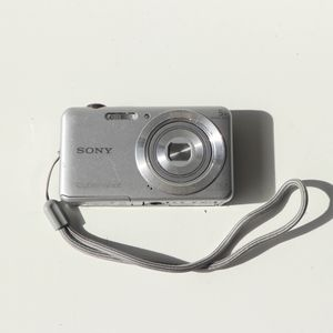 Sony Cyber-shot DSC-W710 16.1MP Digital Camera - Silver - No Cables - Untested for Sale in Mesa, AZ