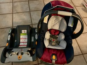 Chicco keyfit car seat for Sale in Arlington, TX