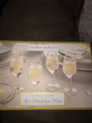 Champagne glass set for Sale in Fresno, CA