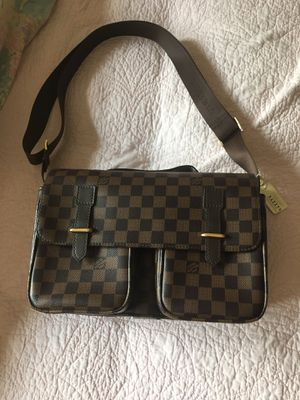 Messenger bag/ purse. Never been used excellent quality. for Sale in Las Vegas, NV