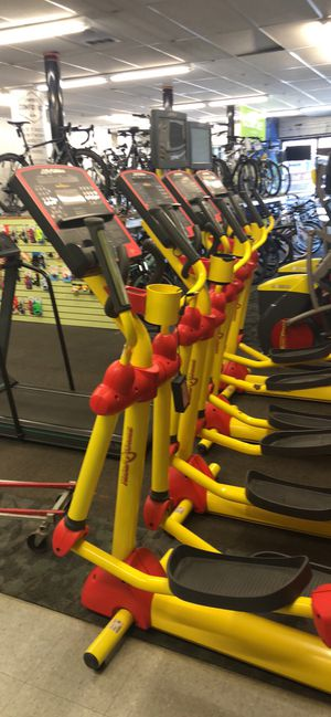 Life fitness elliptical for Sale in Woodmere, NY