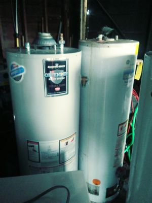 40 gallon hot water heater for Sale in Detroit, MI