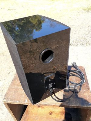 Subwoofer for 40 for Sale in Modesto, CA