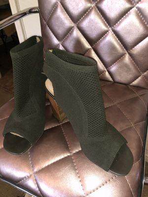 Olive dress shoe for Sale in Corona, CA