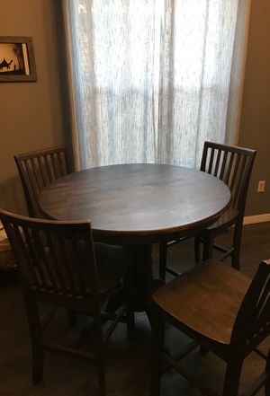 Wooden breakfast table /chairs for Sale in Orlando, FL
