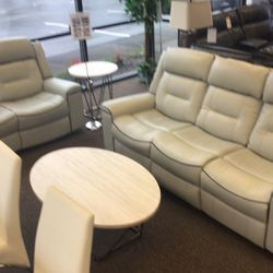 IN STOCK & BRAND NEW RECLINING SOFA AND LOVESEAT SET $1, 050 for Sale in Portland,  OR