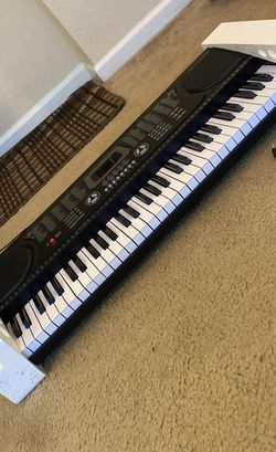 61 Key Piano Lightly Used for Sale in Tampa,  FL