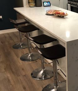 Set Of 4 Bar Chair/ Counter Stool for Sale in Rockville,  MD