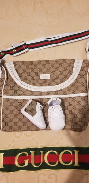 DESIGNER DIAPER BAG/TOTE (Pink,White or Brown trim) Comes with matching baby shoes! MAKE OFFER for Sale in Warren, MI