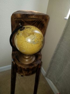 Globe suporte Wood rustic for Sale in Winter Garden, FL