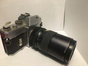 Mamiya Sekor Camera with 200mm for Sale in Anchorage, AK