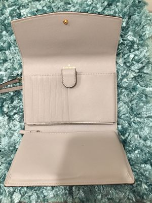 Kate Spade wallet crossbody for Sale in Lawrenceville, GA