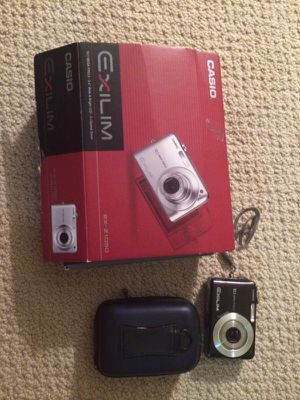 Digital Camera/ with manual box and cords for Sale in Pittsburgh, PA