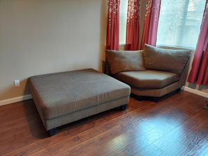 $$$ Ottoman and couch mid piece $$$ for Sale in Elk Grove, CA