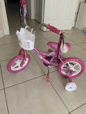 Bicycle for girl 2-5 Years like new!!! PRICE NEGOTIABLE for Sale in Orlando, FL