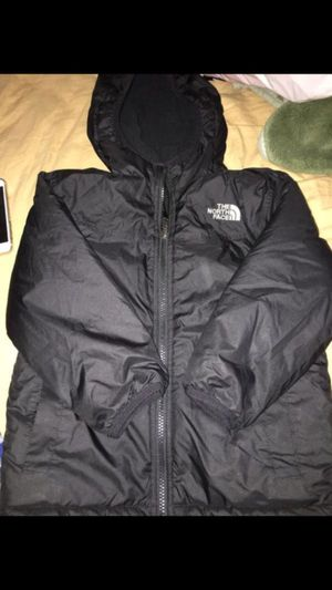 Kid size 5t north face reversible jacket like new for Sale in Boston, MA