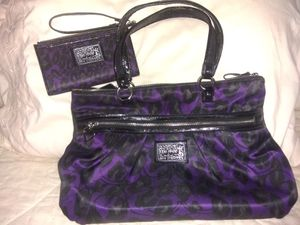 Coach purse and wristlet for Sale in Chandler, TX