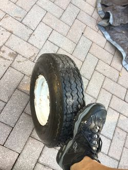 Trailer tire with rim for Sale in Miami,  FL