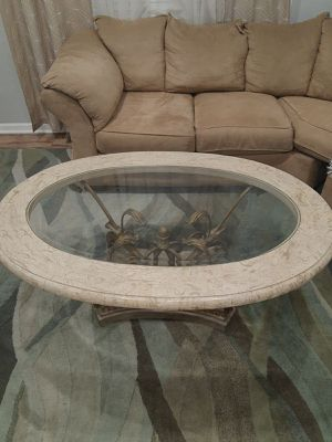 Ashley coffee table for Sale in Glendale Heights, IL