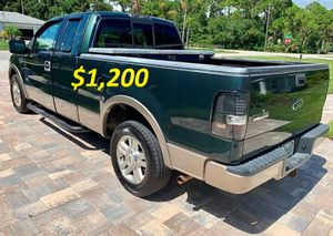 $1,2OO URGENT SELLING 2OO4 Ford F-150 Lariat 4x4 4WD Four Wheel Drive Transmission Automatic V8 Twin Turbocharger!!.,.,.,.,.,. for Sale in Oklahoma City, OK