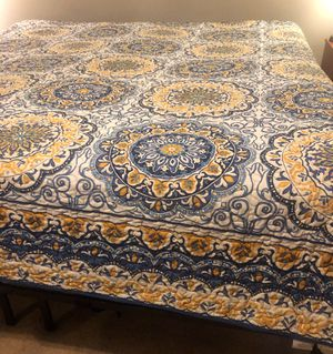 Blue & Yellow Paisley Quilt set, Queen for Sale in Columbia, MO