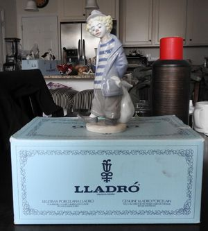 Lladro Vintage Spain Figurine for Sale in Woodbridge, VA